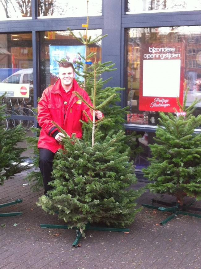 Prachtige kerstbomen bij Praxis Kampen