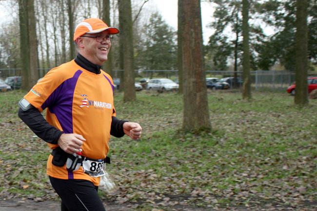 Henkjan Ruijfrok holt in 2014 voor zijn dochter Anne de New York Marathon