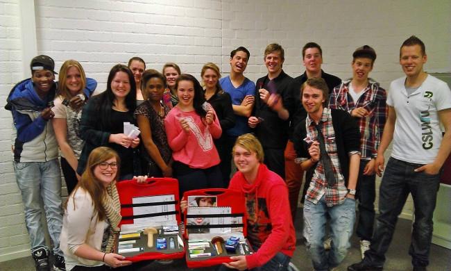 GGD IJsselland deelt gratis condooms uit op het station