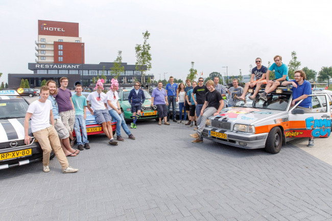 Zwolse Carbage-teams vertrekken