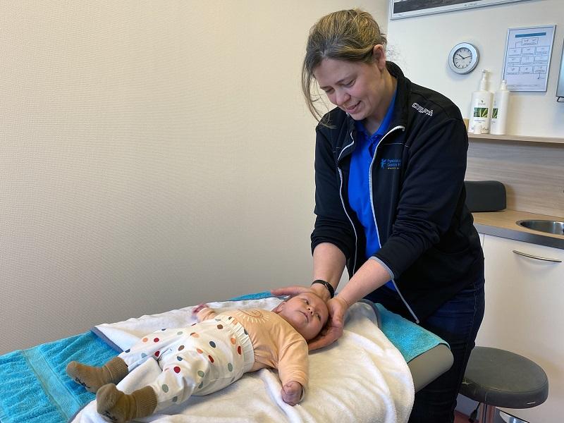'Baby's en kinderen hebben baat bij manuele therapie.'