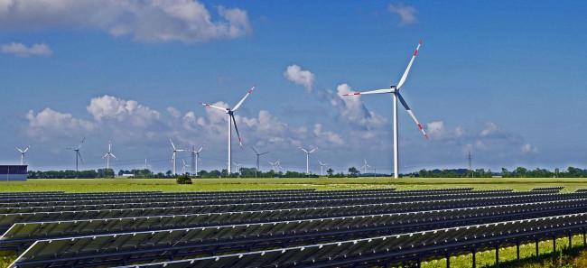 Politieke partijen zijn voorzichtig als het gaat om inruilen van boerenland voor zonnepanelen