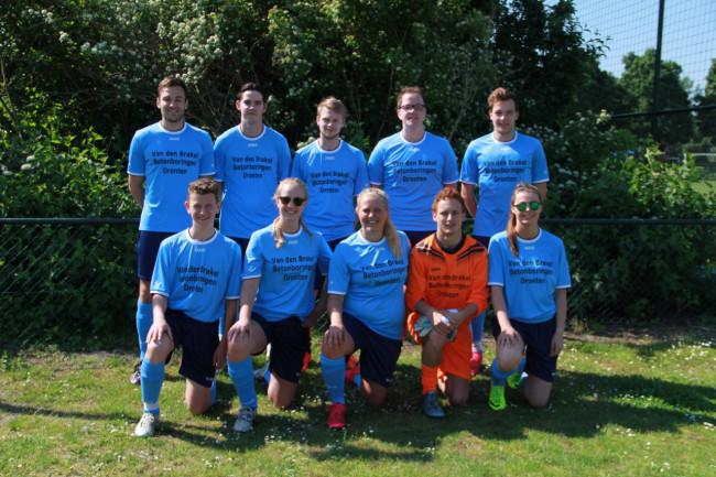 Het winnende team van Van den Brakel.