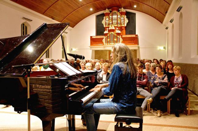 Jan Vayne vorig jaar tijdens een concert in de Hasselter Ichthuskerk.
