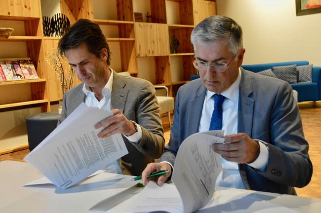 Meerplaal-directeur Hans Maris en wethouder Ton van Amerongen.