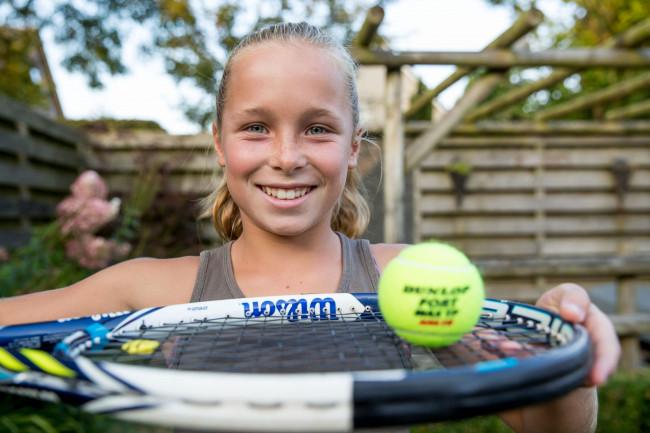 Het Zwolse tennistalent Sarah van Emst
