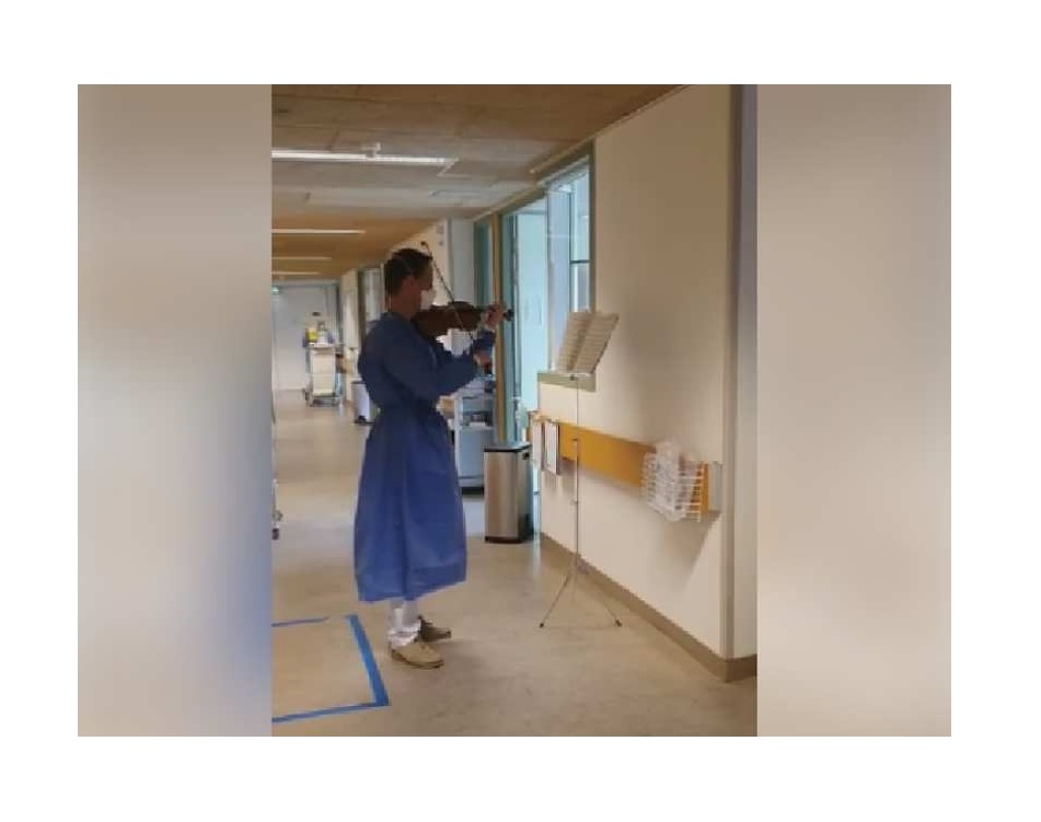 Vioolspelende internist zorgt voor afleiding op isolatieafdelingen St Jansdal