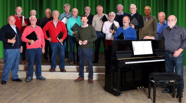 Kennismakingsconcert mannenkoor Mankracht met saxofoonorkest FSO