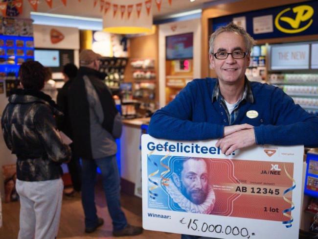 De Geluksmakelaar verkoopt weer Oudejaarsloten