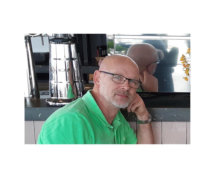 In the picture 398 met Erik van der Schaaff