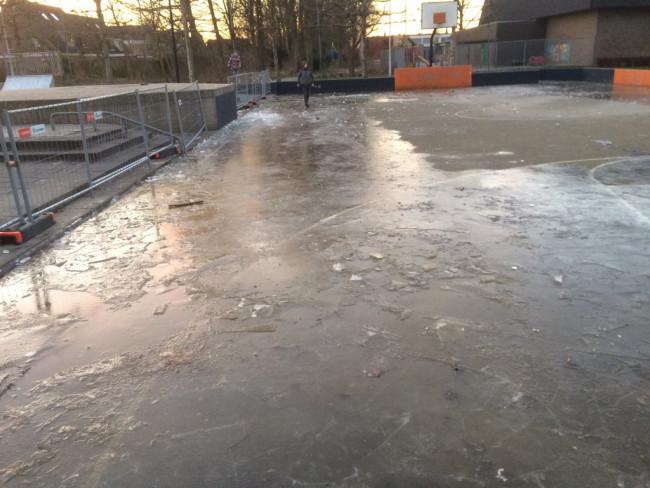Er is niet veel meer over van de ijsvloer.