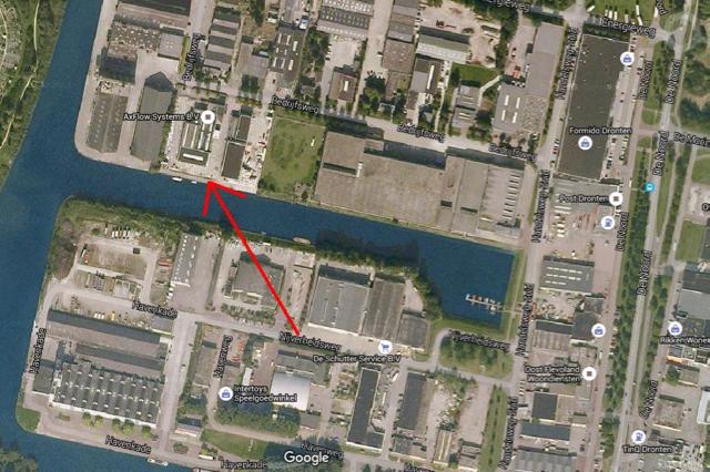 De rode pijl wijst naar de ligplaats van Fred Hendriks.