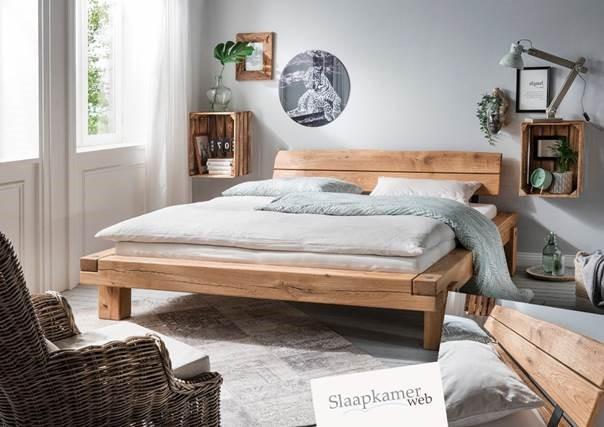 Eikenhouten bedden creëren een warme sfeer in uw slaapkamer!