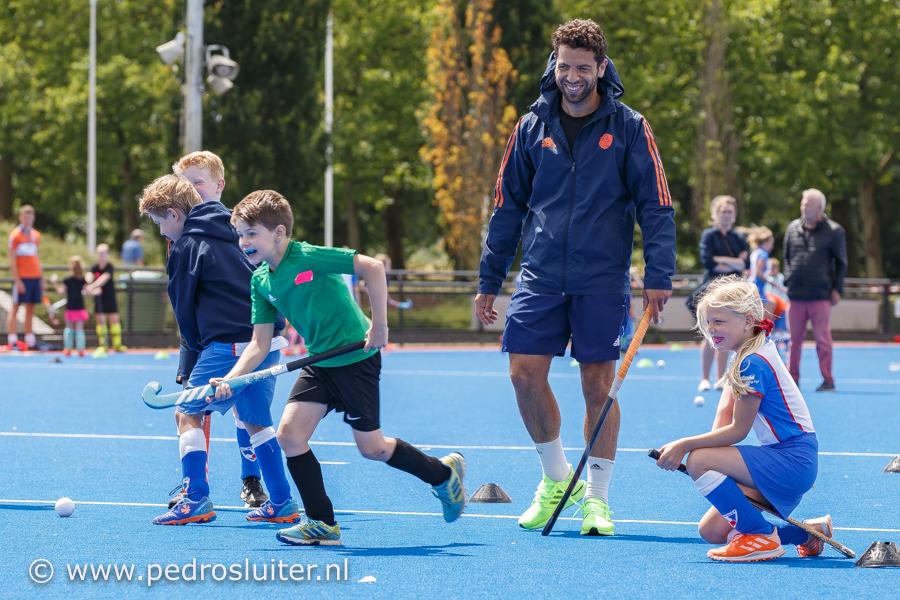 Valentin Verga op het Hoge Laar, bij de clinic van HC Zwolle., https://brugnieuws.nl/uploads/dfed55f14df7d64a6259fe01b480c3ce22d70f36.jpg