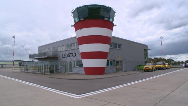 Ook luchtvaart maakt bezwaar tegen Windplan Groen: veiligheidsrisico's voor Lelystad