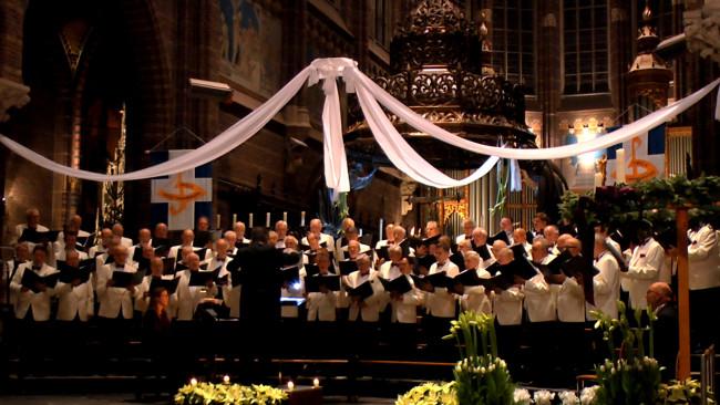 Groot Mannenkoor Zwolle hult zich met 'Noche de Paz' in Spaanstalige sferen
