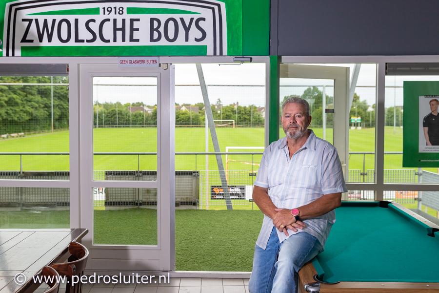Voorzitter Jan Huiskens in het clubhuis van Zwolsche Boys