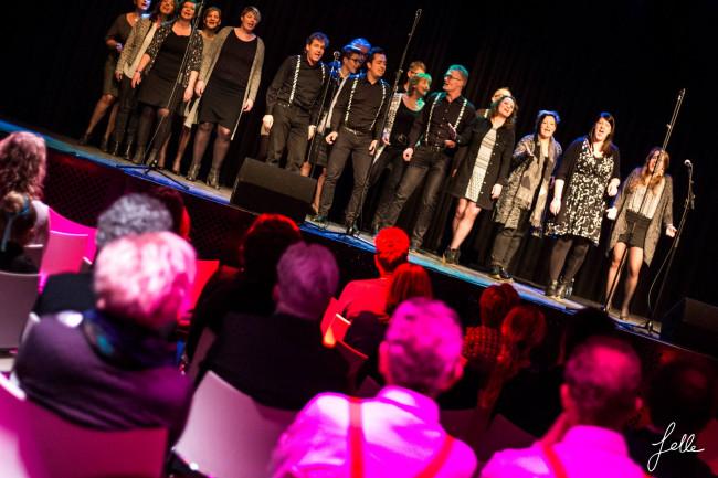 Vocal group On-Cue zoekt bassen