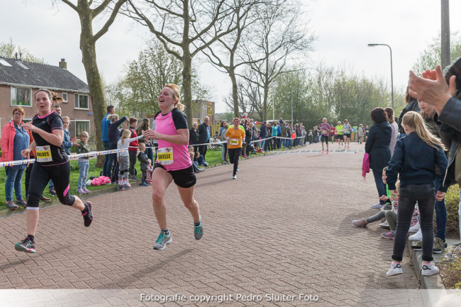 Finish aan de Thorbeckelaan, https://brugnieuws.nl/uploads/a2101133341acb24869fca33bbebe72a8fac5fb2.jpg