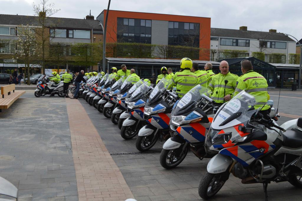 Minder politie bij wielerevenementen.