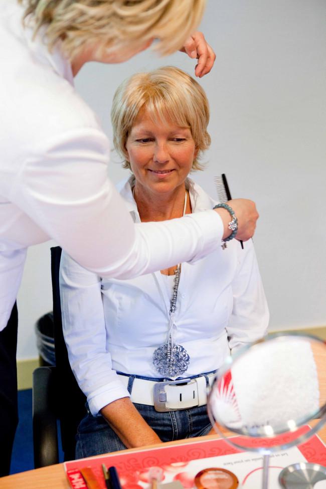 Nazorgcentrum IntermeZZo verzorgt workshop 'Look Good, Feel Better' voor mensen met kanker