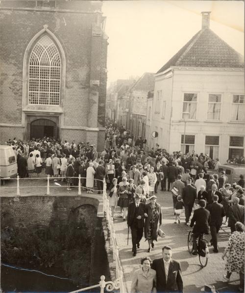 Omgeving Broederbrug en Broederkerk tijdens de Hogeschooldag van de vrijgemaakt gereformeerde kerk.