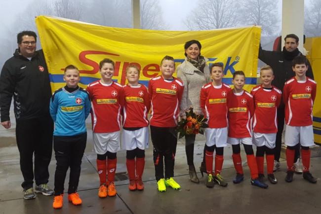 SuperTank steekt jeugdteam van BAS Voetbal in het nieuw