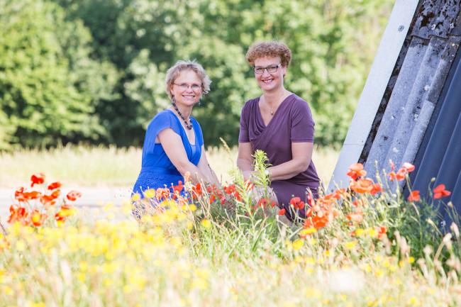 Tineke Stuifzand (links) en Nanda Otten.