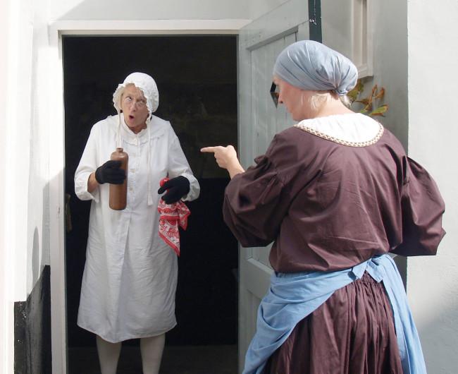 Theaterrondleiding met twee vrouwen uit het Vrouwenhuis