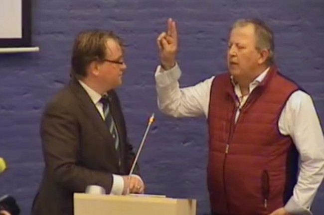 Paul Vermast en het nieuwe PvdA-raadslid Roelf Raterink.