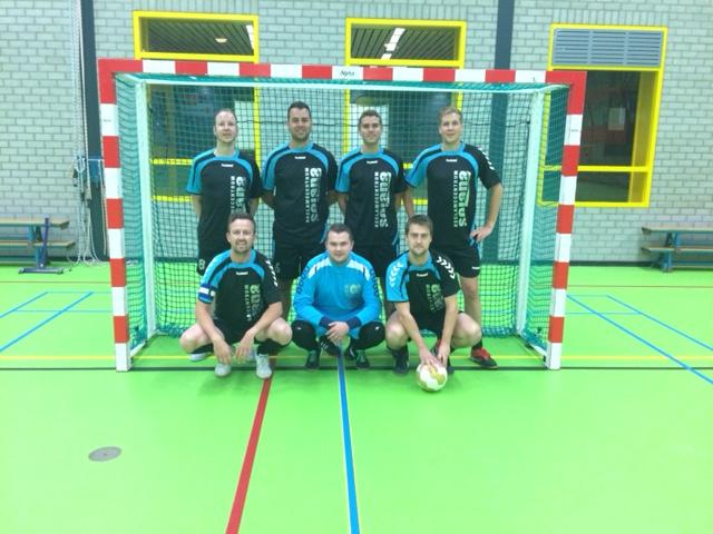 Reclamecentrum Solana steekt voetbalteam in het nieuw