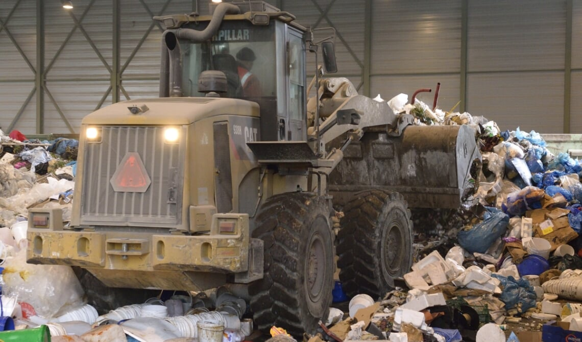 <p>Afvalverwerking in bedrijf (archieffoto)</p>