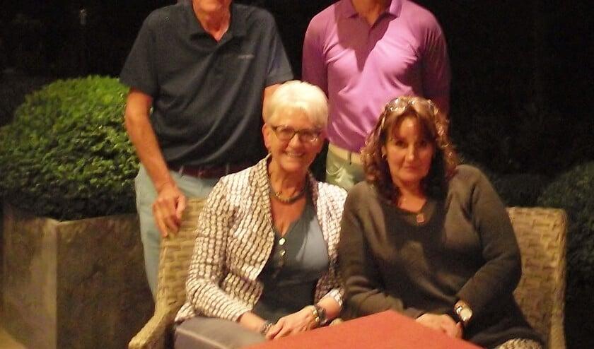Op de foto boven: Ton Merks (L) en Michiel Emmery  en onder: Marianne van der Putte - Verhoeven (l) en Madelon Gerbrands   | Fotonummer: d80728