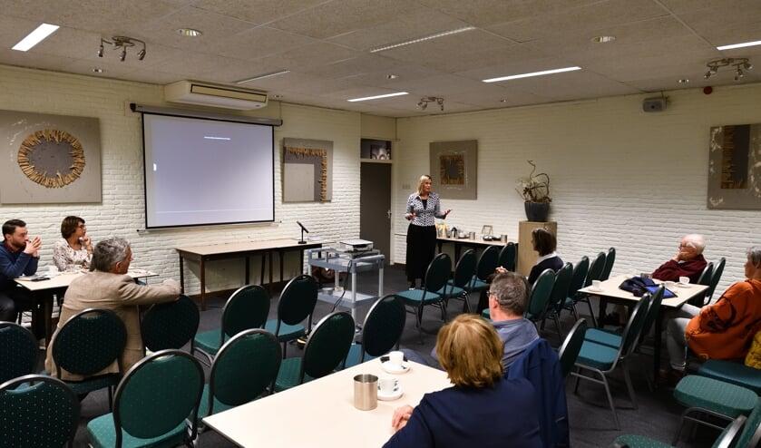 Veel stoelen bleven leeg tijdens de afsluitende bijeenkomst participatietraject   | Fotonummer: ab9ac6