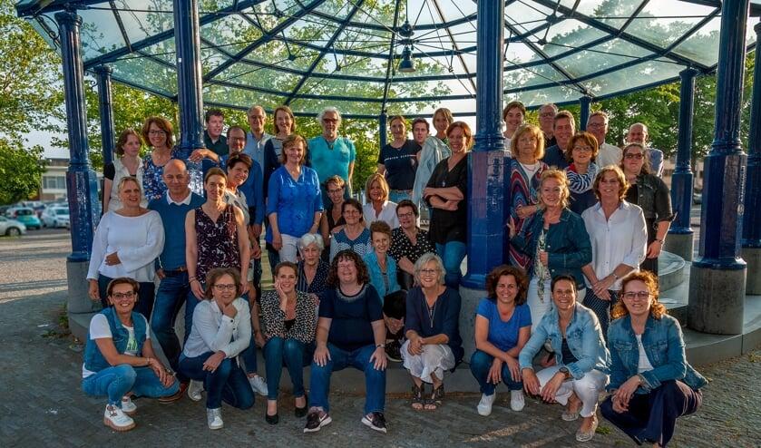 De leden van Theaterkoor Sincère   | Fotonummer: 49f71c