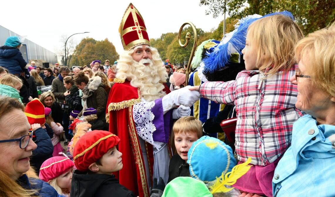 <p>Dit jaar begroet Sinterklaas de kinderen digitaal</p>