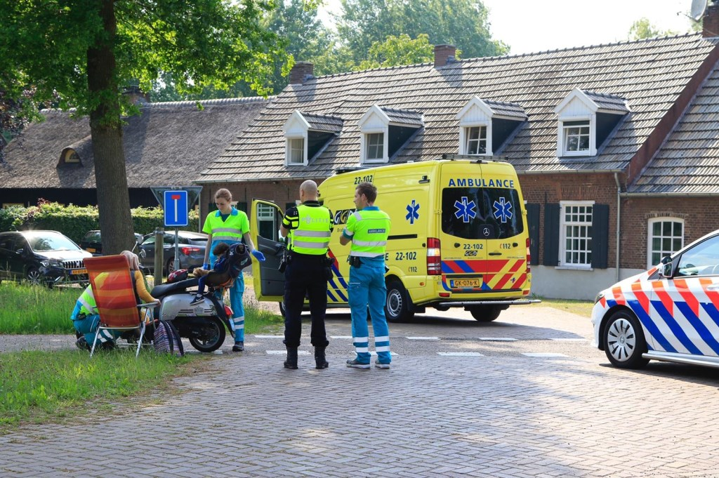 Licht gewond na val met scooter Foto: 112nieuwsonline.nl © DeMooiSonenBreugelKrant
