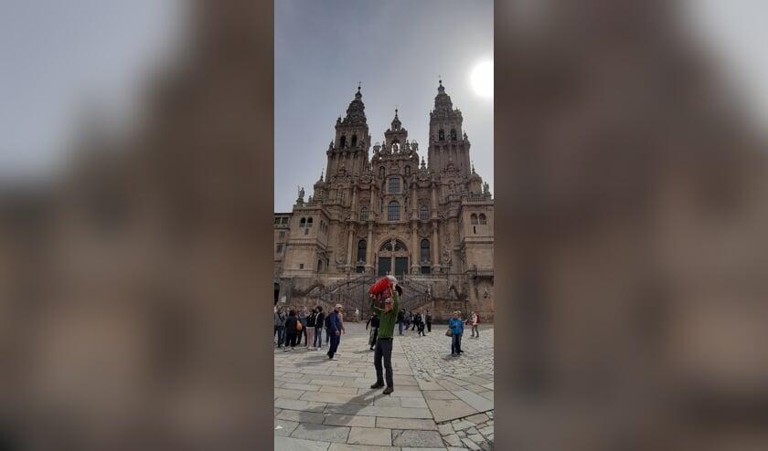 Rini bij zijn aankomst in Santiago de Compostella   | Fotonummer: 7805ec