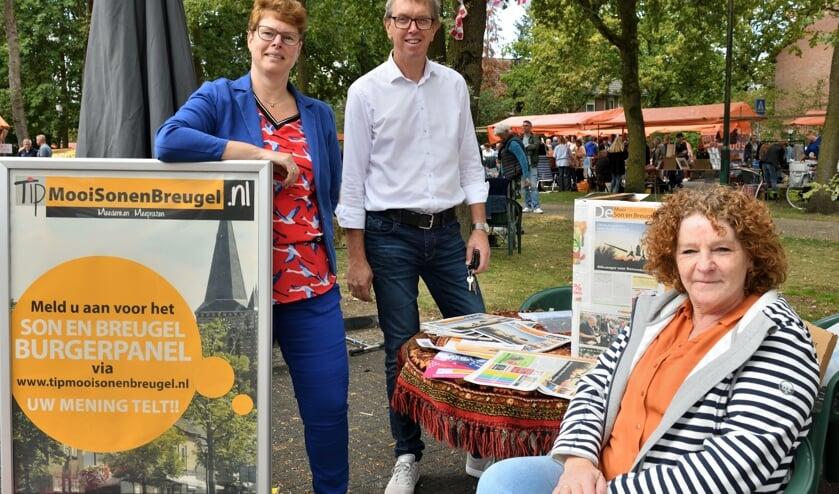 V.l.n.r. Emmy Grit, Adrie Neervoort en Annie Maessen tijdens Breugels Festijn op zoek naar nieuwe burgerleden     Fotonummer: a2c8ac