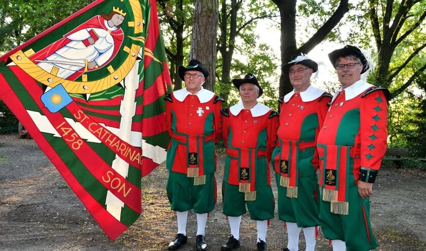 V.l.n.r. De vier gildebroeders Jan Swinkels, Martien Dekkers, Rien Swinkels en Eric  Verhagen   | Fotonummer: 6e6b16