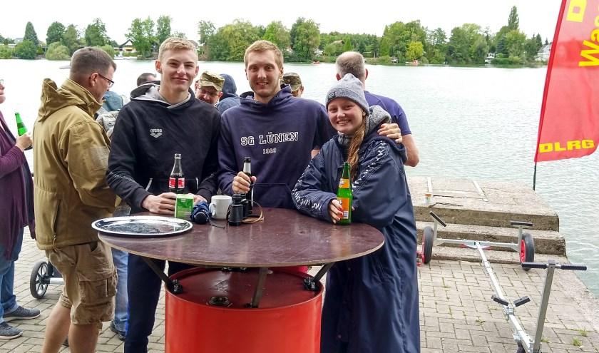 Lars, Dominik en Marijke, die hebben deelgenomen aan de prestatietocht in Duitsland     Fotonummer: 145bd5