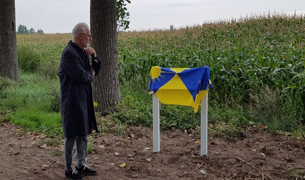 De burgemeester tijdens de onthulling van de  plaquette Foto: Adrie Neervoort © DeMooiSonenBreugelKrant