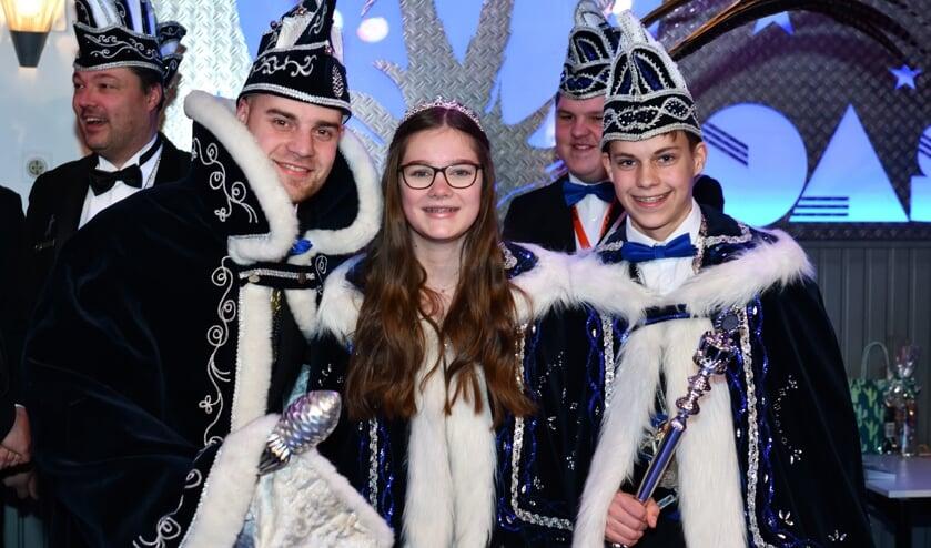 (vlnr) Prins Bas, jeugdprinses Sanne en jeugdprins Stan      Fotonummer: 9b0e57