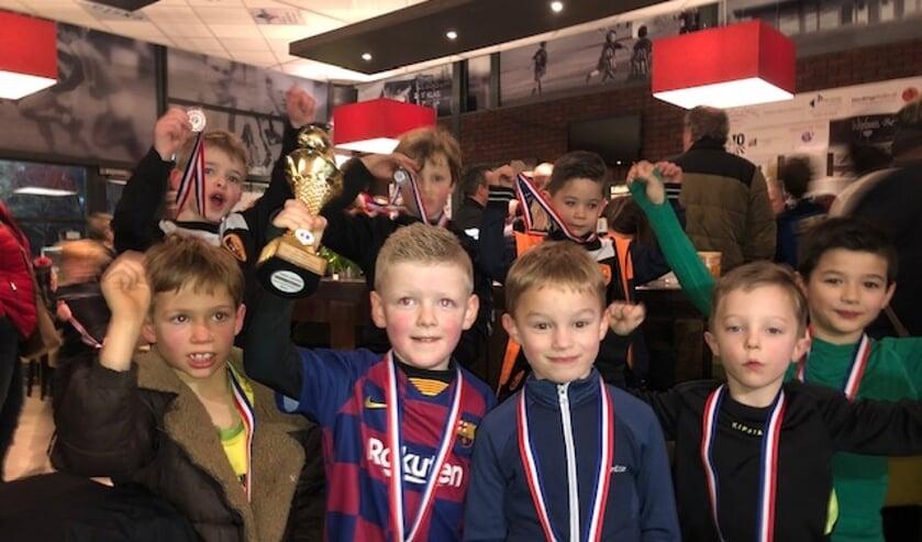 De jongste leden van SBC winnen toernooi   | Fotonummer: 71fcce