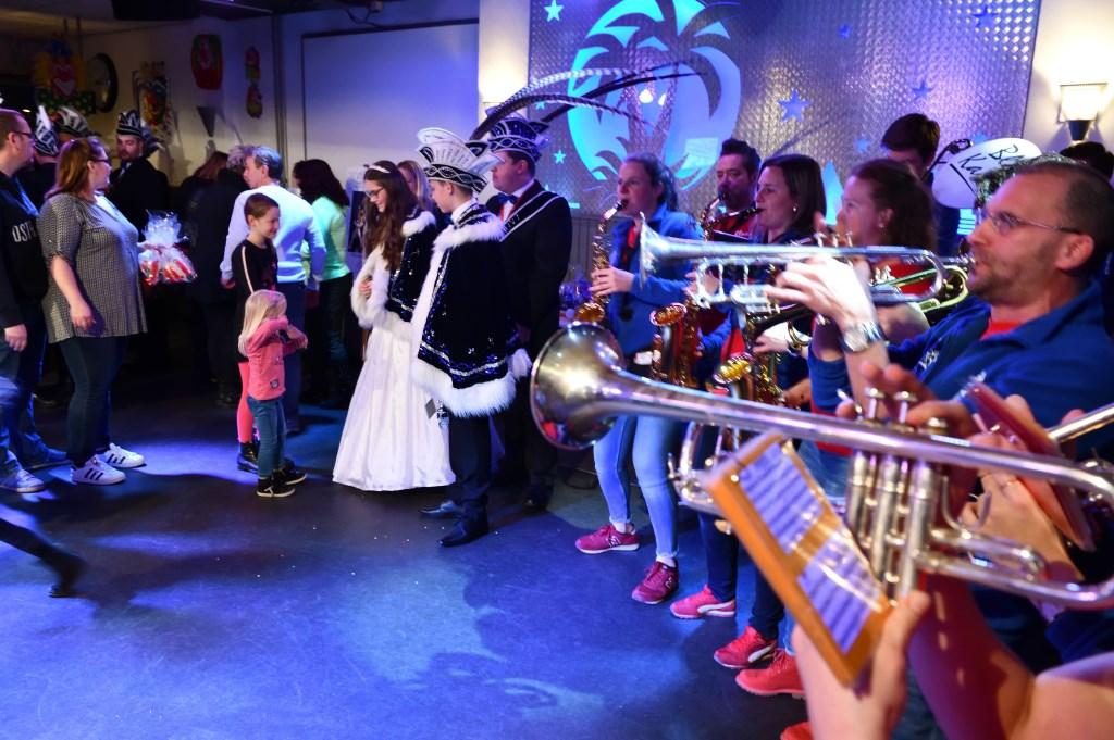 Receptie jeugdprins Stan en jeugdprinses Sanne druk bezocht Foto: Wil Feijen © DeMooiSonenBreugelKrant