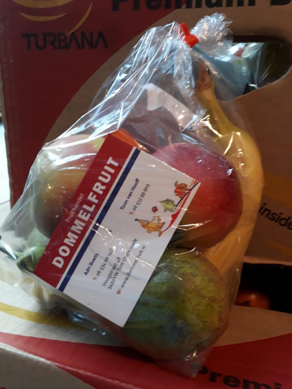 Fruit voor alle bewoners van Berkenstaete Foto: Ingezonden © DeMooiSonenBreugelKrant