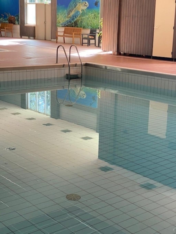 Het zwembad Foto: Wim van Santvoort © DeMooiSonenBreugelKrant