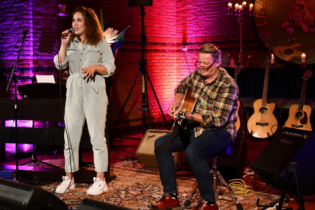 Evelien Sleegers en Joost Egmond Foto: Wil Feijen © DeMooiSonenBreugelKrant