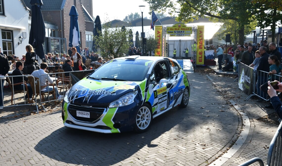 <p>De 56e ELE Rally ging van start in het centrum van Son en Breugel</p>