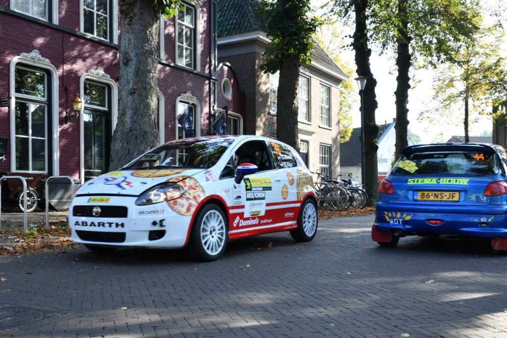 De 56e ELE Rally ging van start in het centrum van Son en Breugel Foto: Wil Feijen © DeMooiSonenBreugelKrant